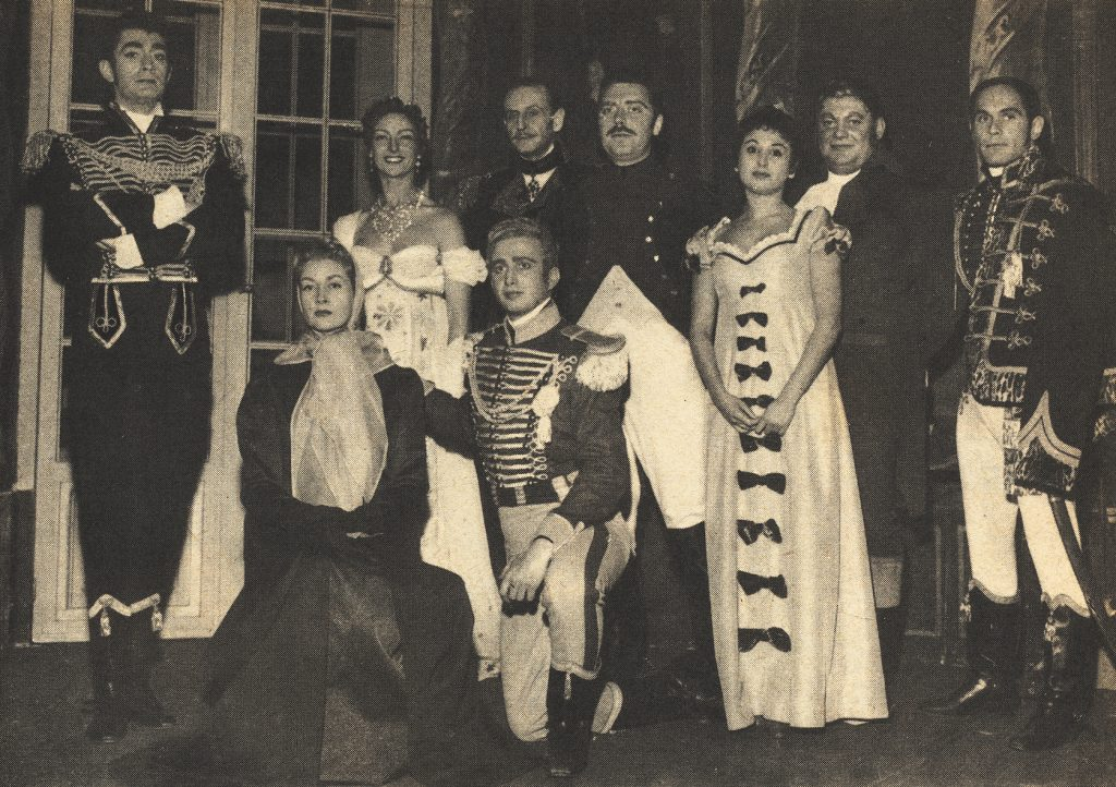 1957v Paris-Theatre 124 - Un francais a Moscou p19 wp