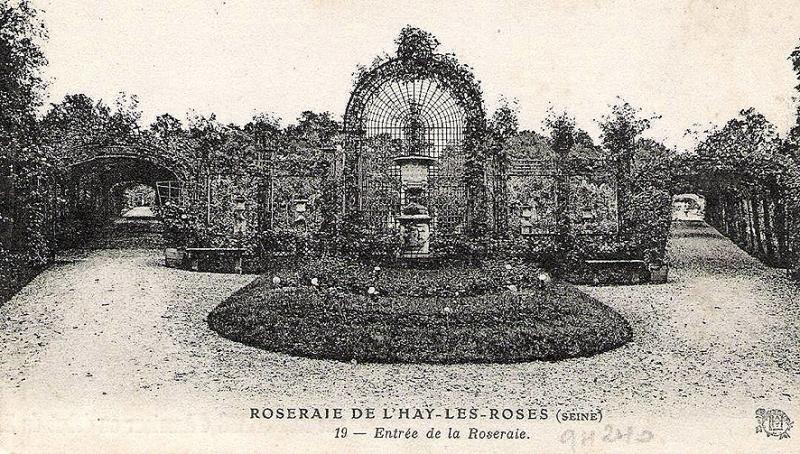 019-1©-19-ROSERAIE-DE-LHAY-LES-ROSES-Seine-Entrée-de-la-Roseraie_wp
