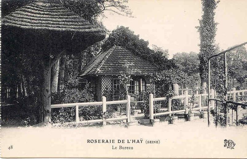 040-1©-48-Roseraie-de-LHAY-Seine-Le-Bureau_wp