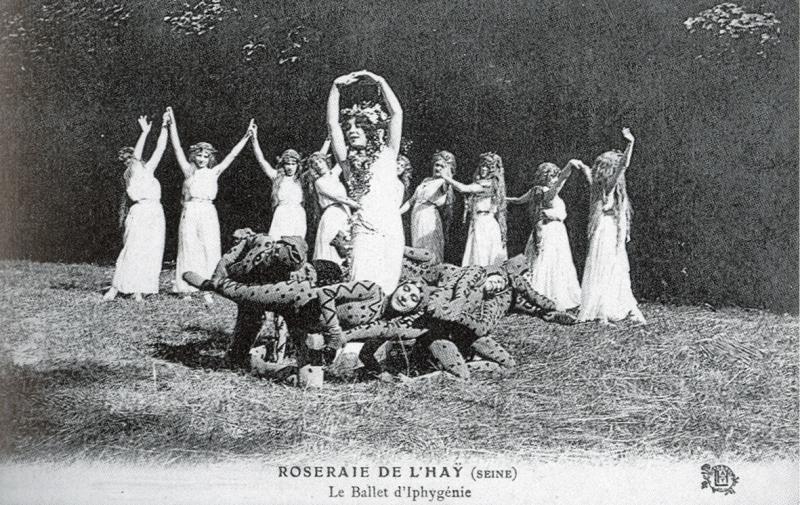 AT-703-ROSERAIE-DE-LHAY-SEINE-Le-Ballet-dIphygenie